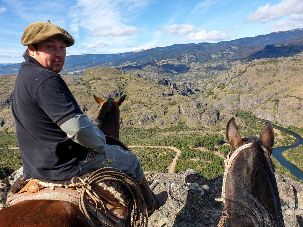 nomadrandoacheval gaucho chevaux lasso chili